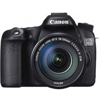 Зеркальный фотоаппарат Canon EOS 70D Kit (18-135mm) IS STM